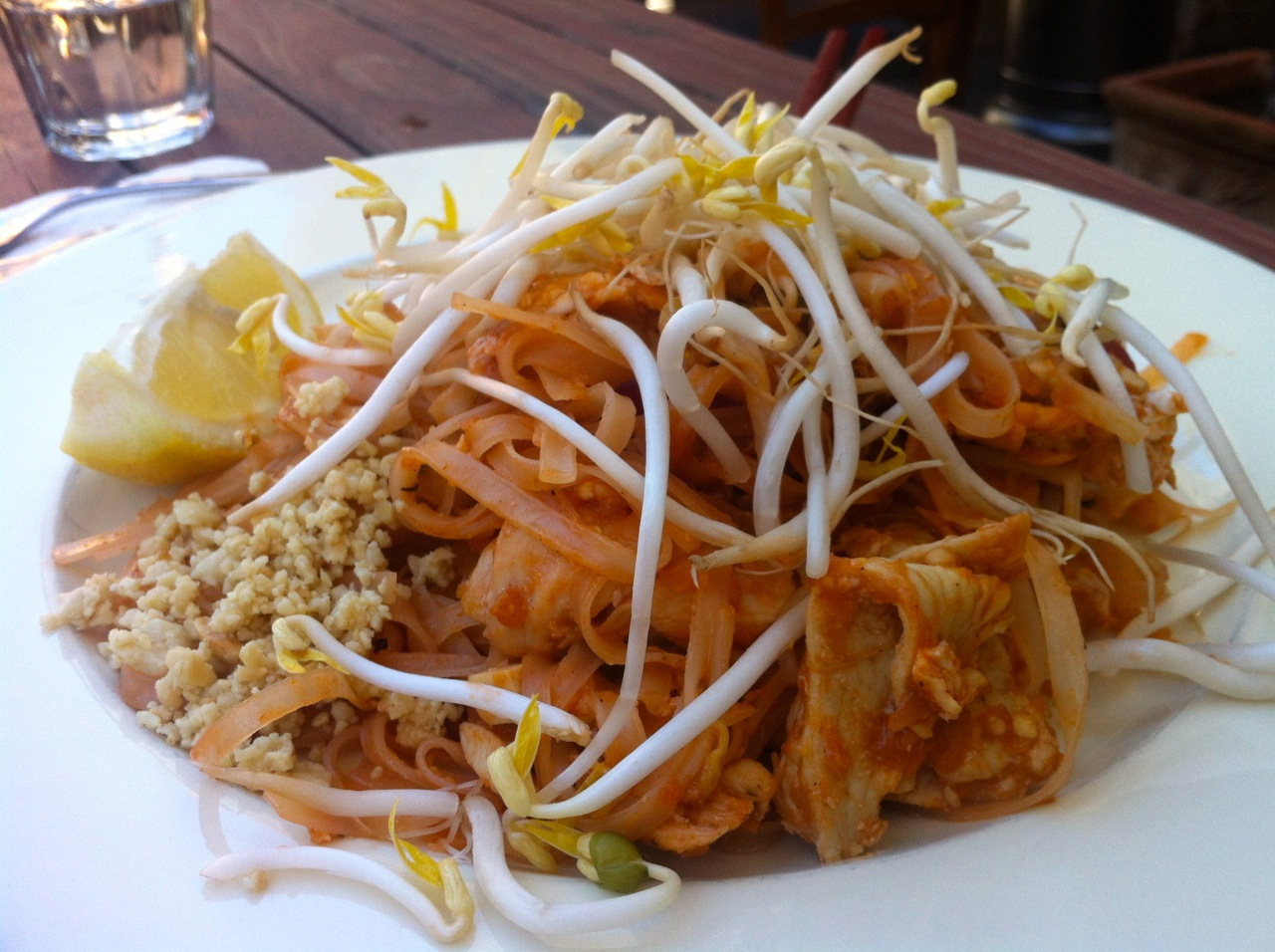 Thai Paragon, North Strathfield: Pad thai chicken | Noisy ...